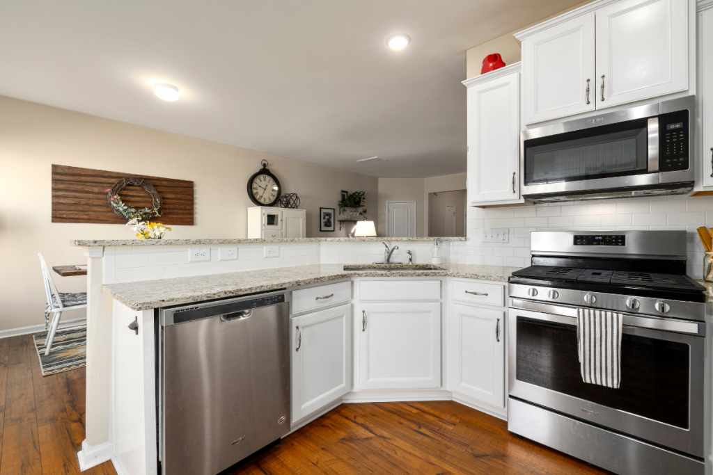 5 Types of Cabinet Materials for Your Dream Kitchen
